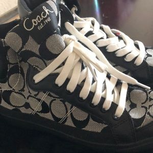 Coach Shoes - Coach tennis shows size7 B black and Wh